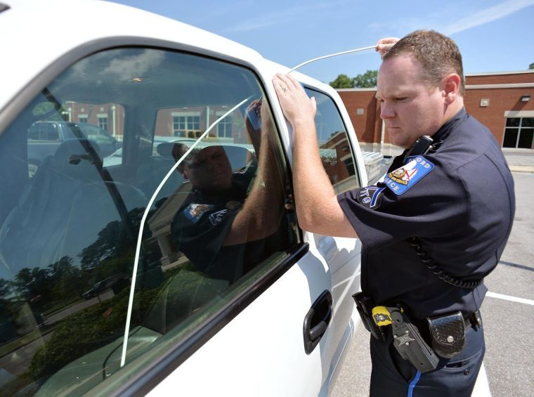 Car Lockout Service Provide By The Police