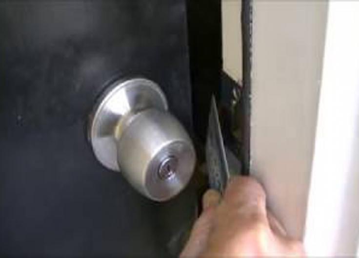 Adding Deadbolt On Door Professional Locksmith Service